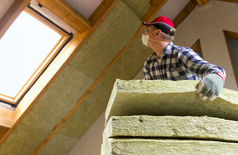 installing thermal roof insulation